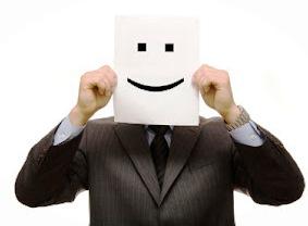 Колкото си по-анонимен и сив, толкова по-малко работа и печалба като преводач ще има за теб!
